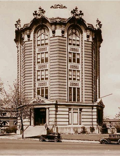 Women's Magazine Building 1903