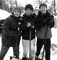 boys-in-snow