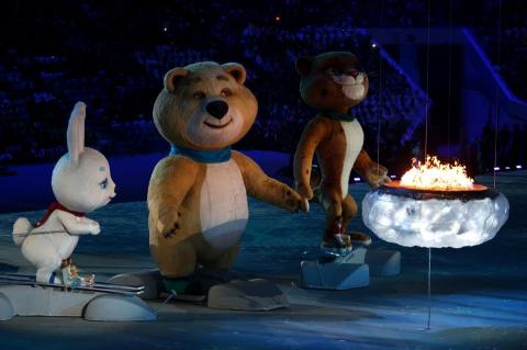 2014-winter-olympic-games-closing-20140223-181818-978
