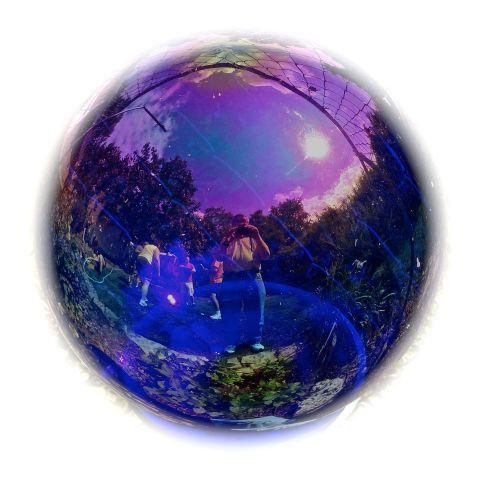 ReflectionsInGlassBall