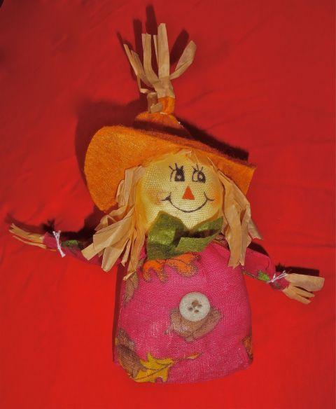 HarvestScarecrowGirl